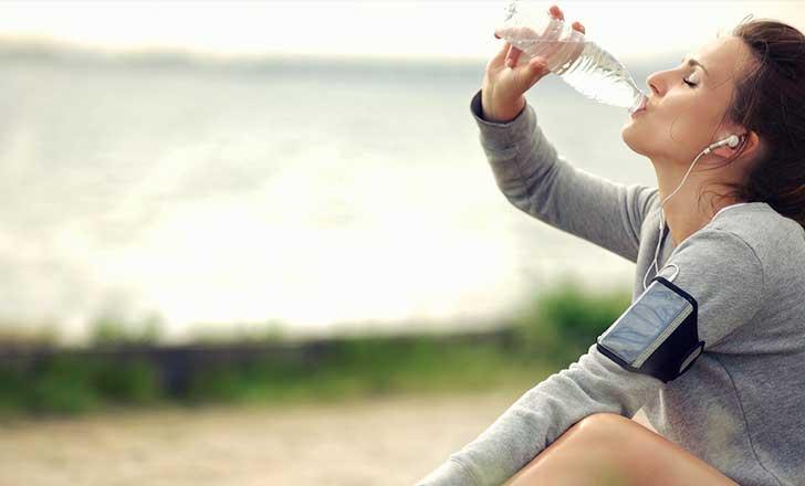 Beber agua dieta proteindas